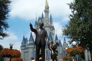 Walt_Disney_Statue.jpg